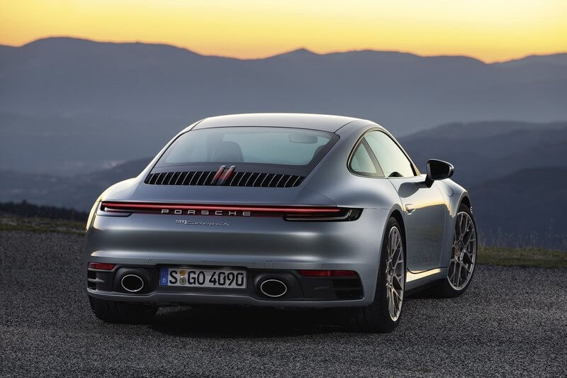 Porsche презентовал спорткар 911 восьмого поколения