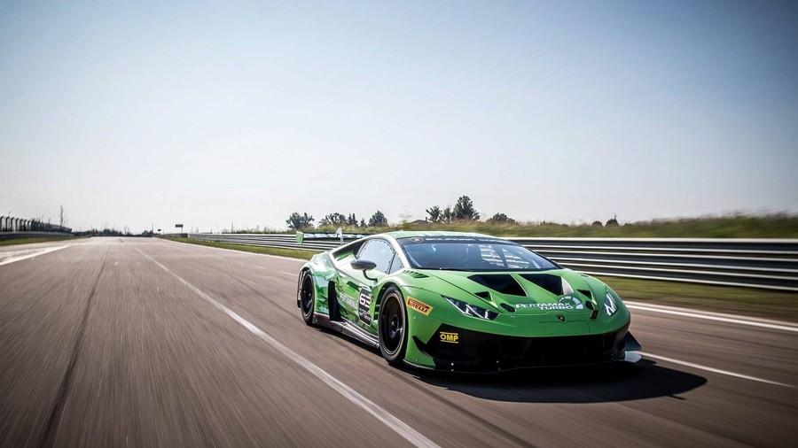 Обновлённое гоночное купе Huracan GT3 Evo от Lamborghini