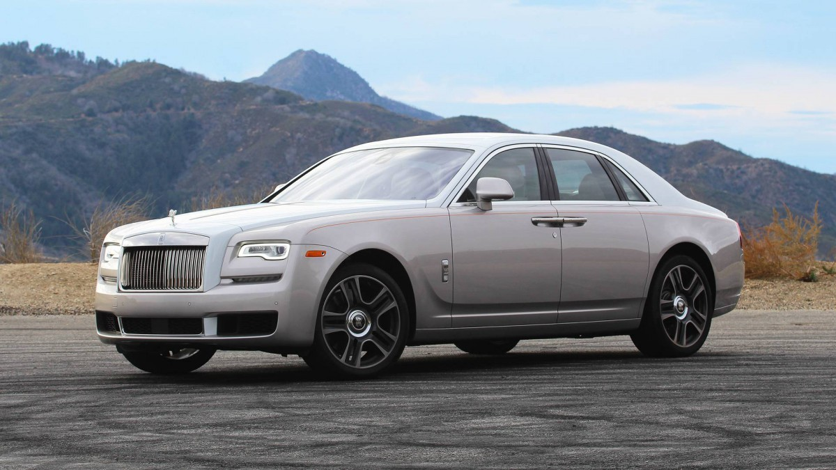 ДТП сразу после покупки: инцидент с Rolls-Royce Ghost
