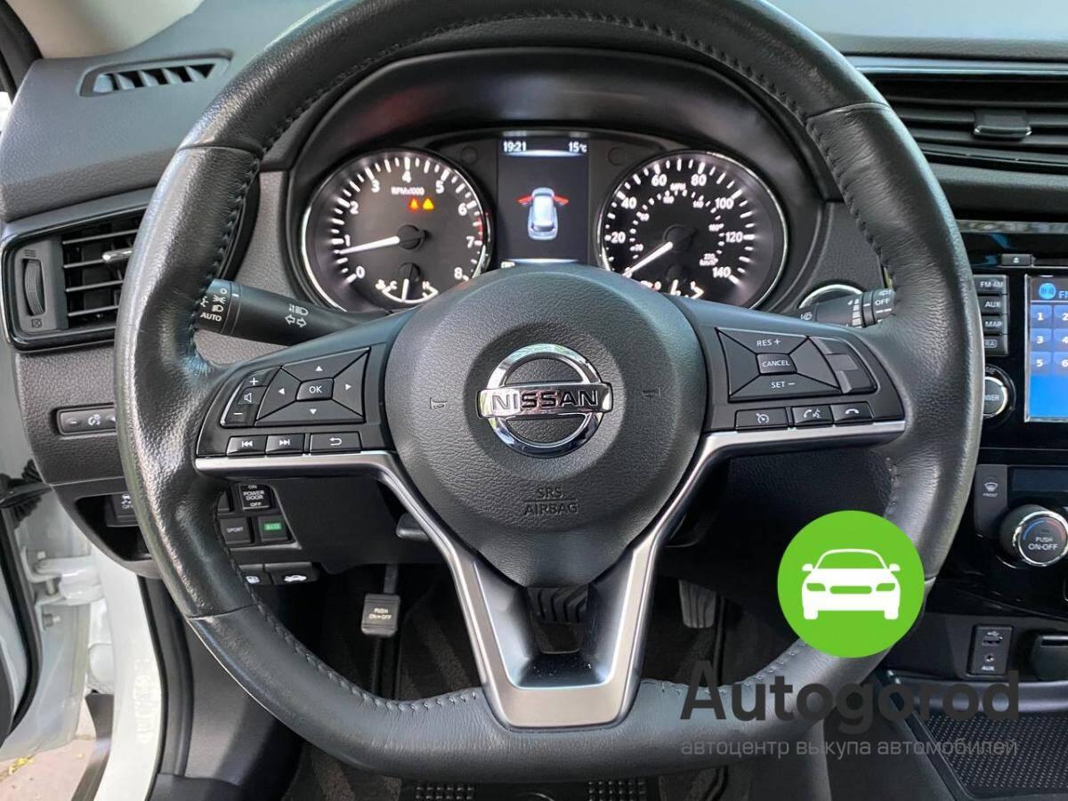 Авто Nissan Rogue                                         2017 года фото 12