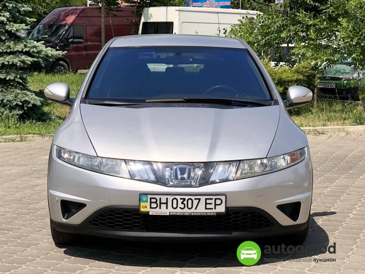 Авто Honda Civic 2008 года фото 4