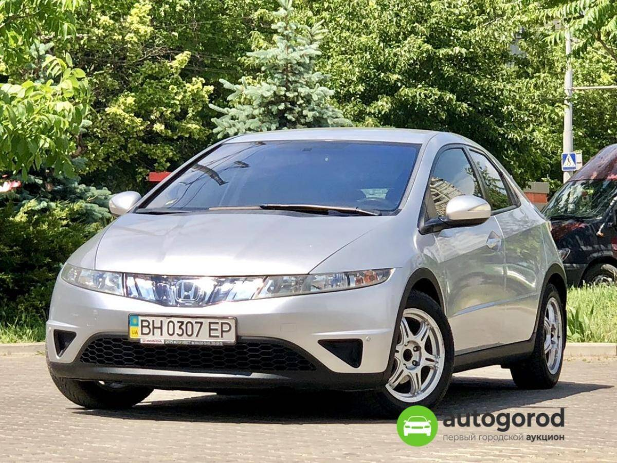 Авто Honda Civic 2008 года фото 6