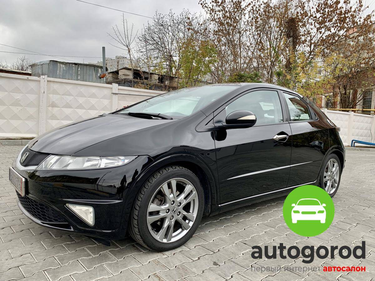 Авто Honda Civic 2010 года - фото
