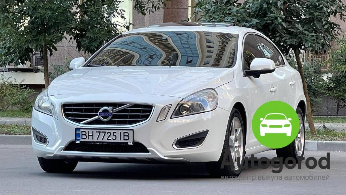 Авто Volvo                                         S60 Бензин фото 2