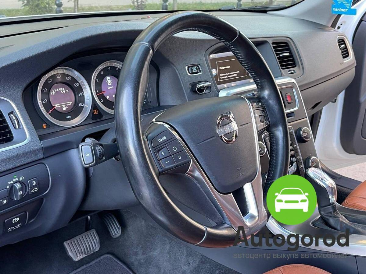 Авто Volvo S60                                         2013 года фото 9