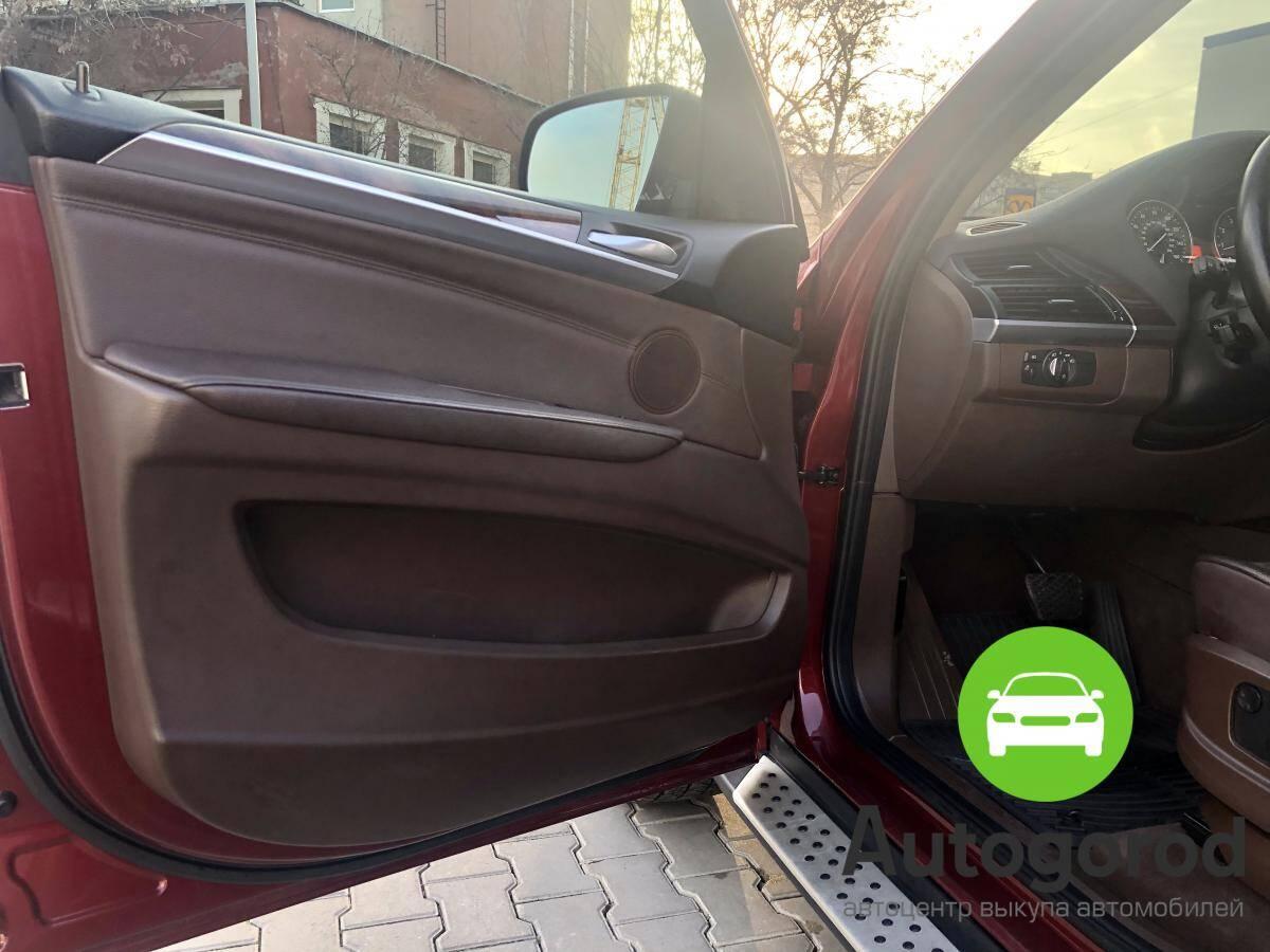 Авто BMW X5 2011 года - фото