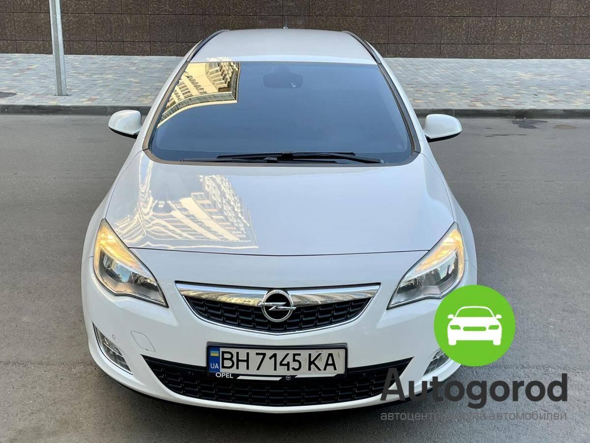 Авто Opel Astra 2012 года фото 0