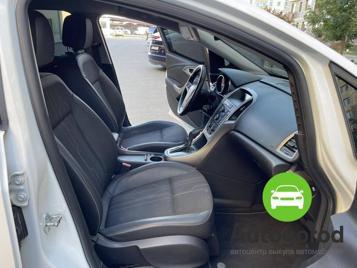 Авто Opel Astra                                         2012 года фото 9