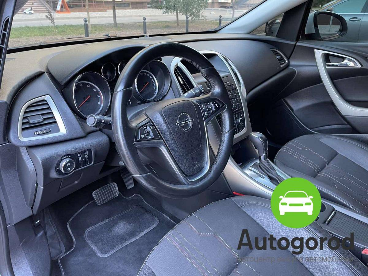 Авто Opel Astra                                         2012 года фото 10