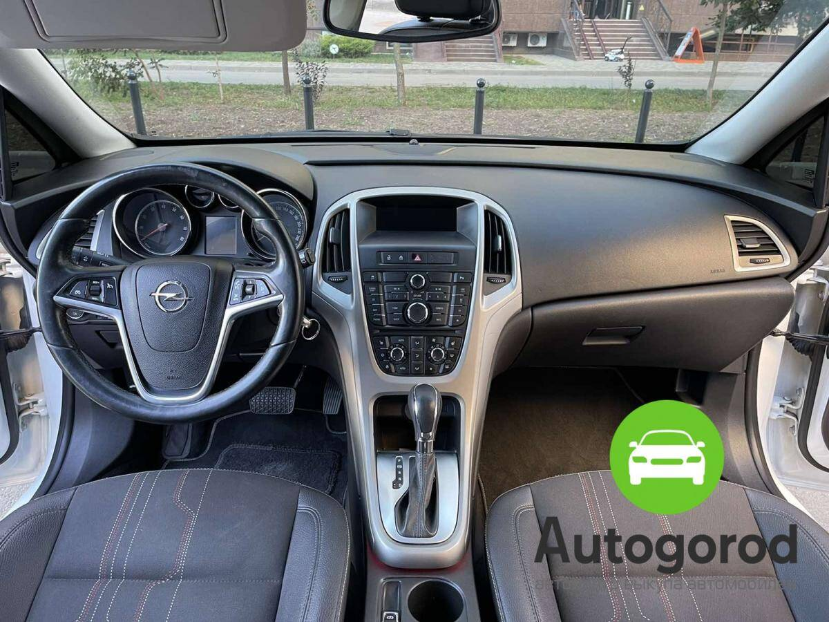 Авто Opel Astra                                         2012 года фото 11
