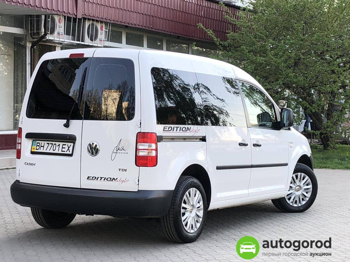 Авто Volkswagen Caddy 2011 года фото 10