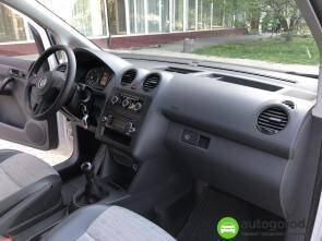 Авто Volkswagen Caddy 2011 года фото 16