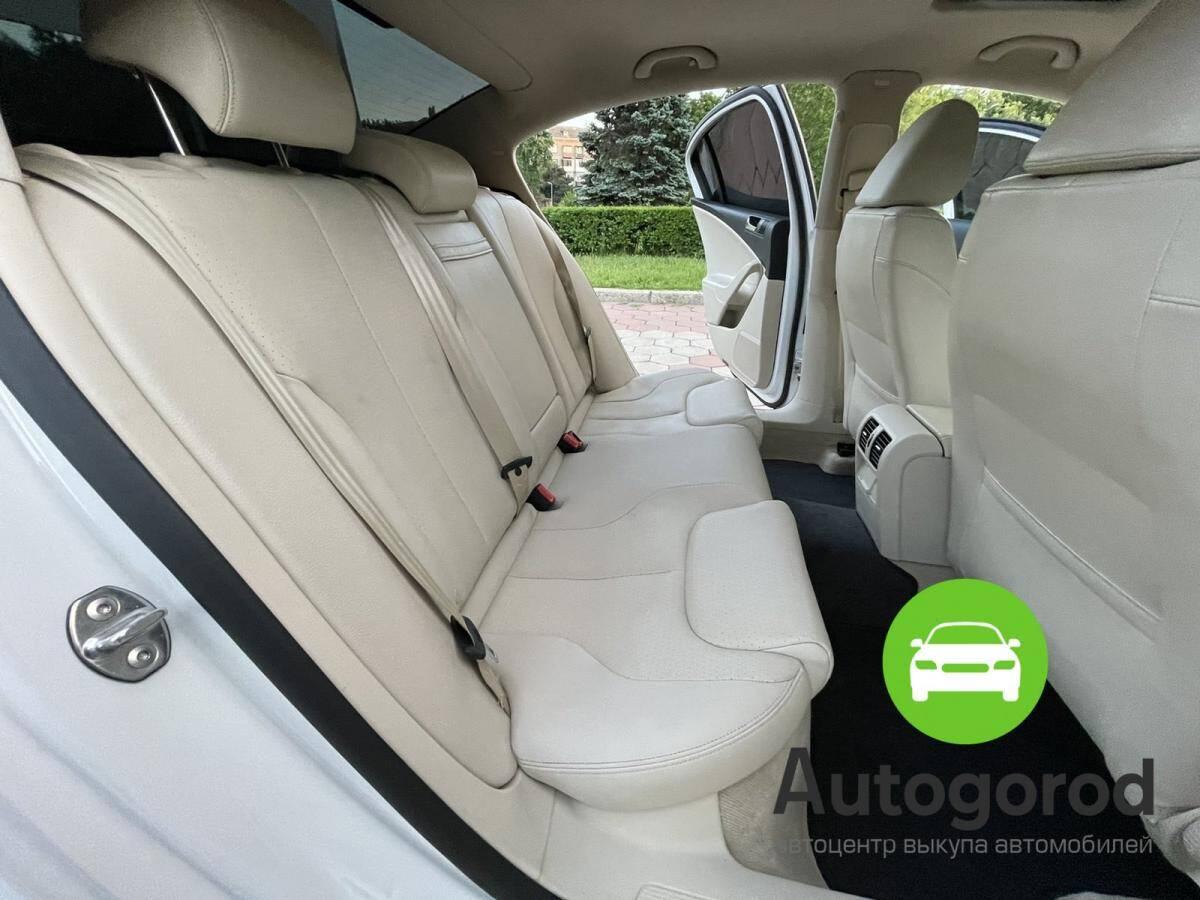 Авто Volkswagen Passat                                         2010 года фото 16