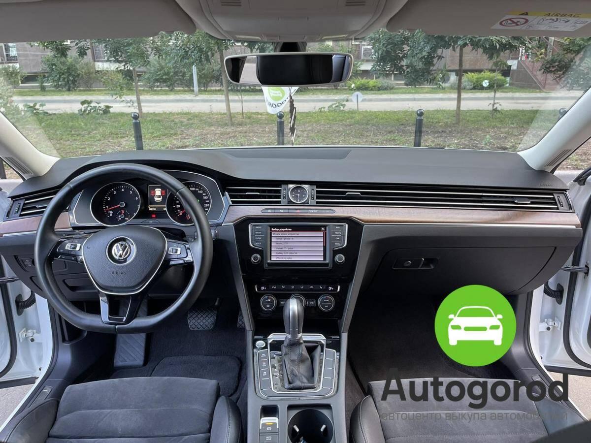 Авто Volkswagen Passat                                         2015 года фото 10