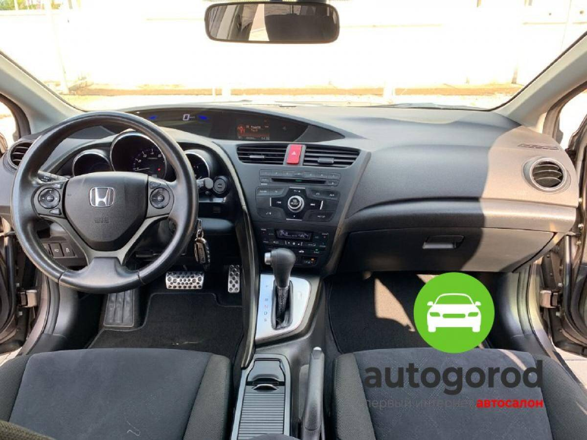 Авто Honda Civic 2012 года фото 6