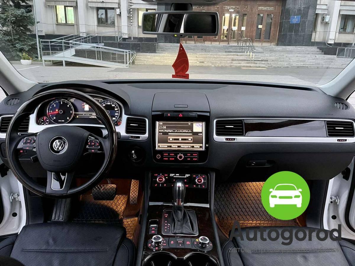 Авто Volkswagen Touareg                                         2012 года фото 12