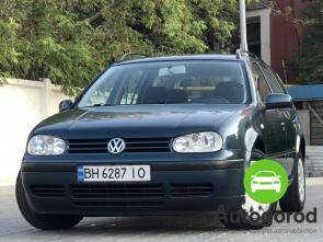 Авто Volkswagen Golf 2002 года - фото
