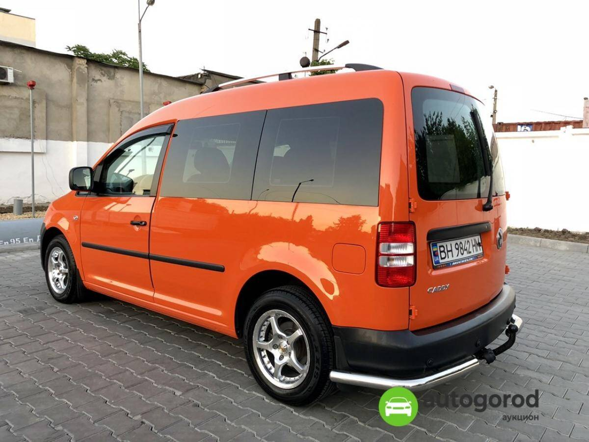 Авто Volkswagen Caddy 2011 года фото 15