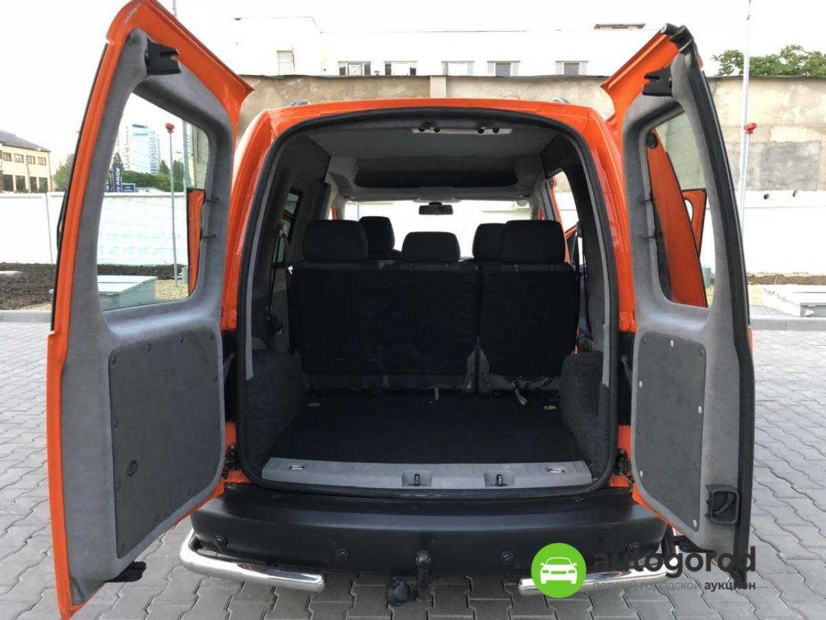 Авто Volkswagen Caddy 2011 года фото 23
