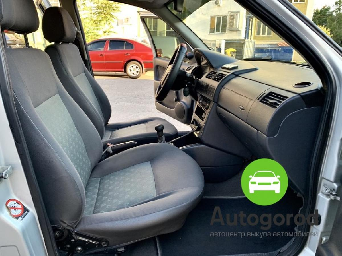 Авто Volkswagen Pointer 2004 года фото 3