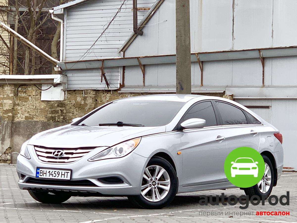 Авто Hyundai Sonata 2012 года - фото