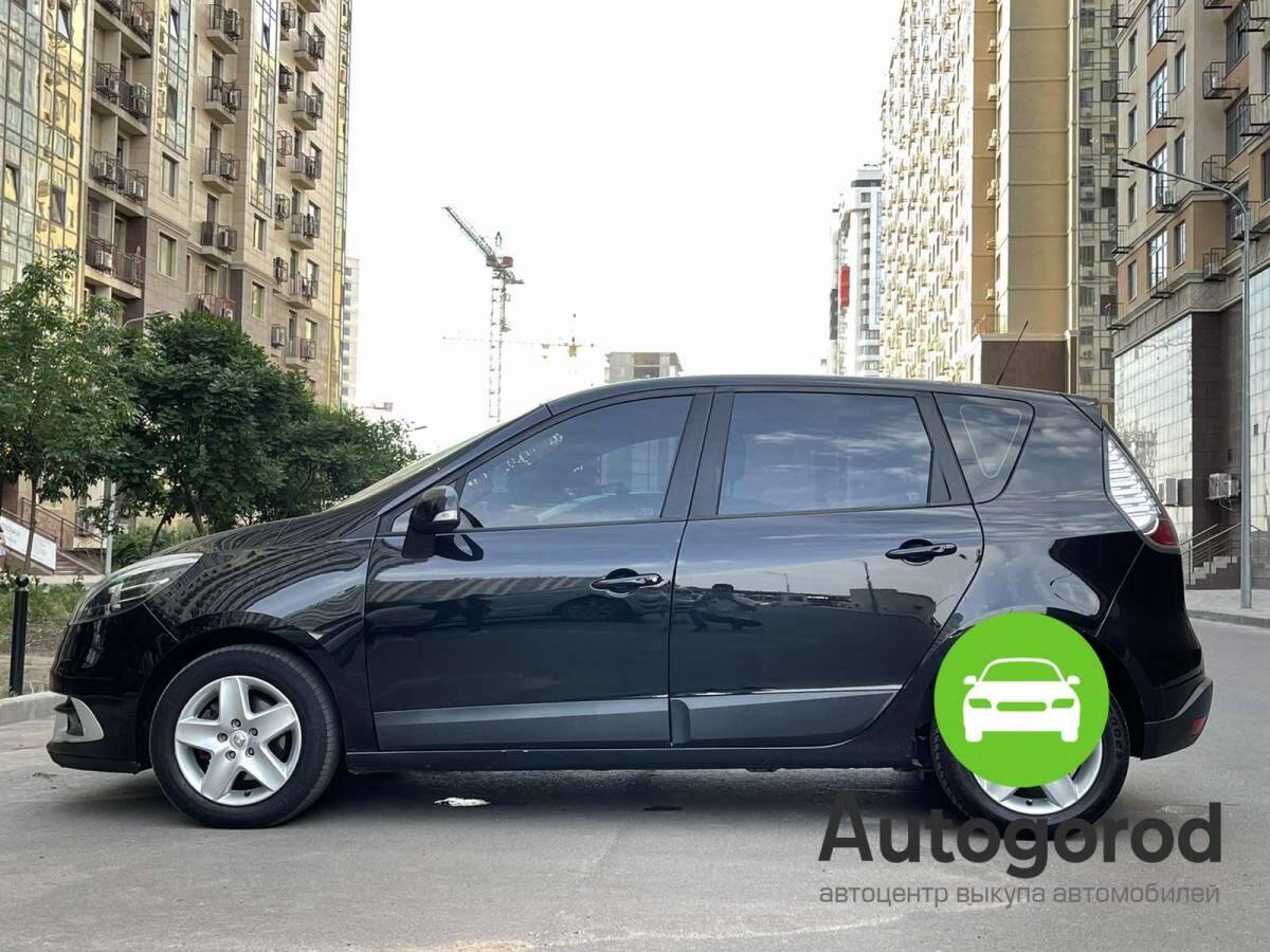 Авто Renault                                         Megane Объем двигателя  фото 1