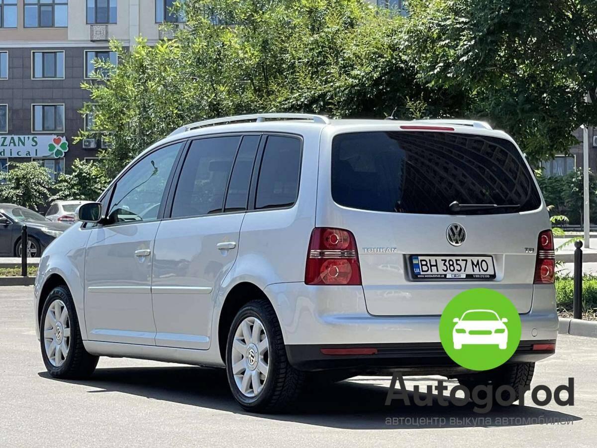 Авто Volkswagen                                         Touran Бензин фото 2
