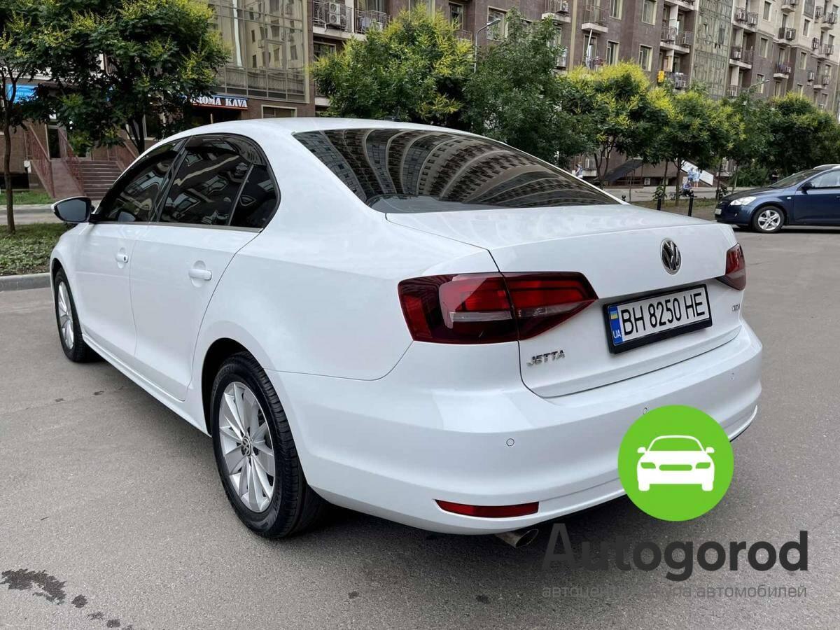 Авто Volkswagen                                         Jetta Бензин фото 2