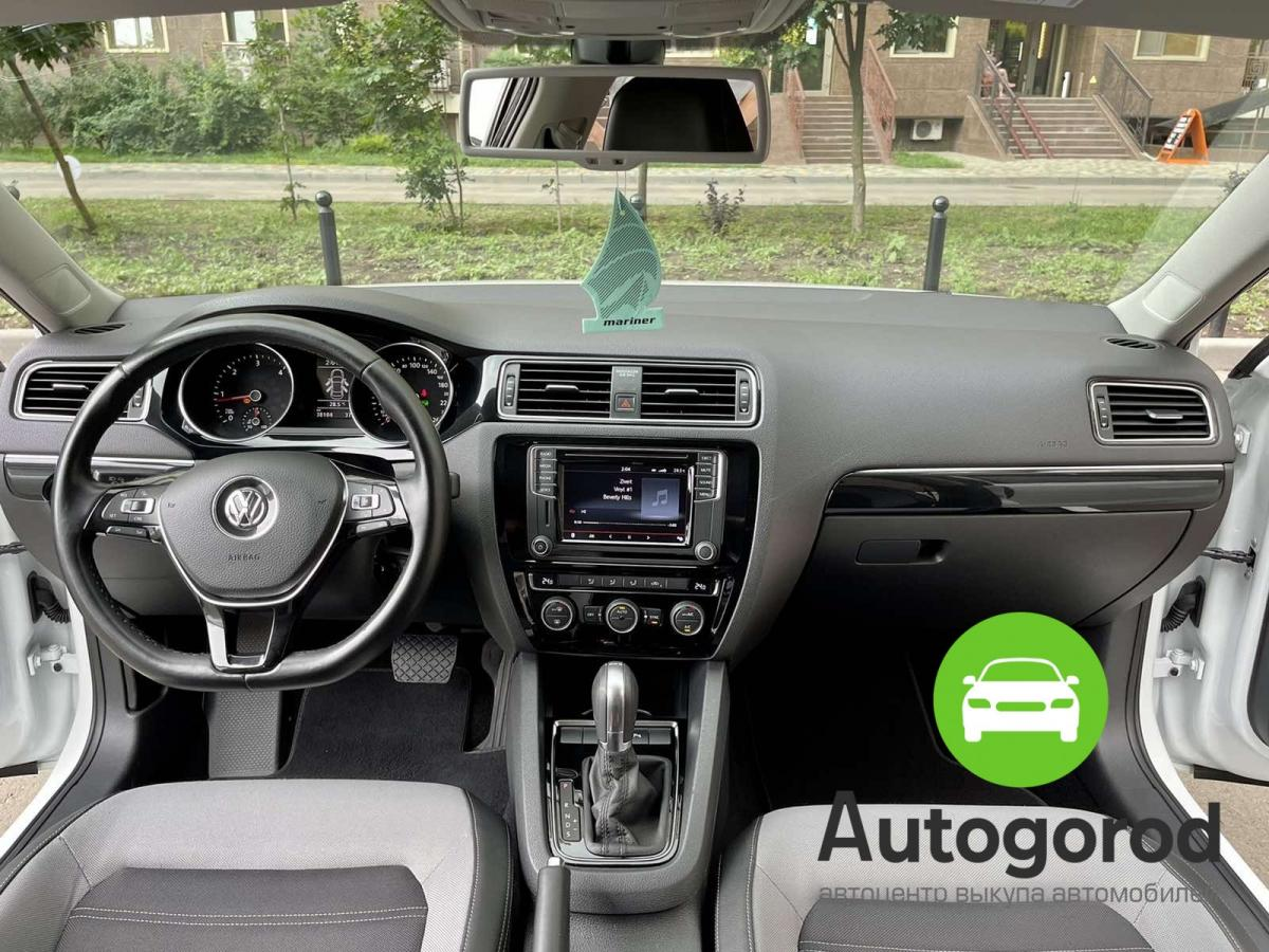 Авто Volkswagen Jetta                                         2016 года фото 12
