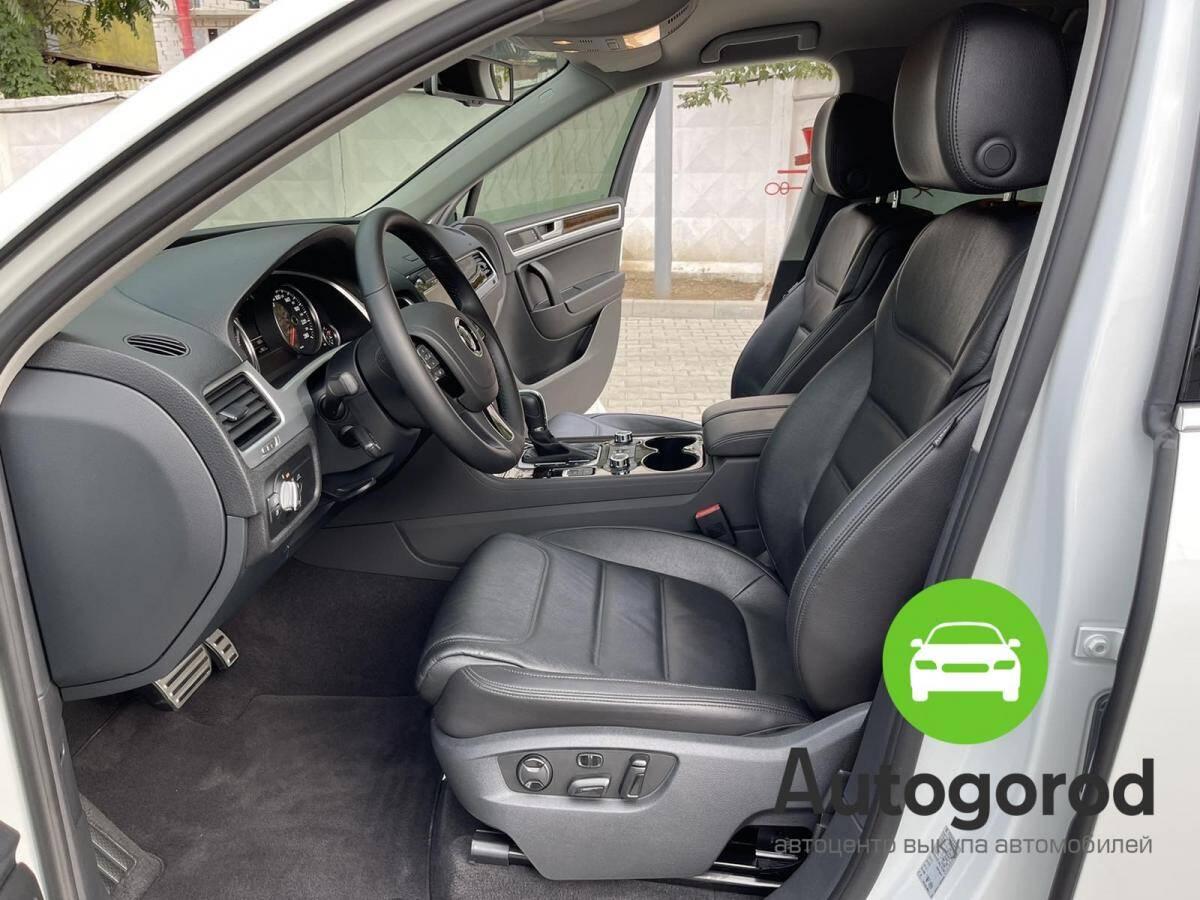 Авто Volkswagen Touareg                                         2014 года фото 8